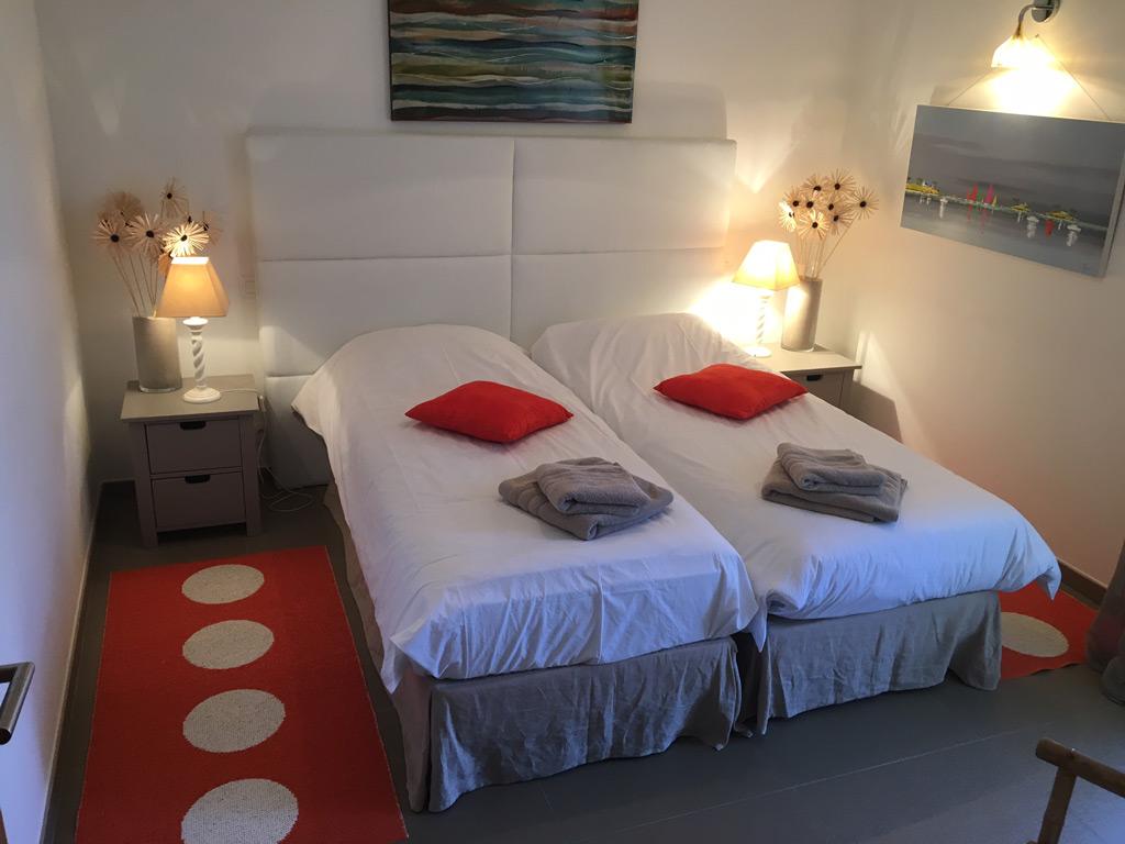 r sidence pinarello location de vacances sainte lucie de porto vecchio plage de pinarello. Black Bedroom Furniture Sets. Home Design Ideas
